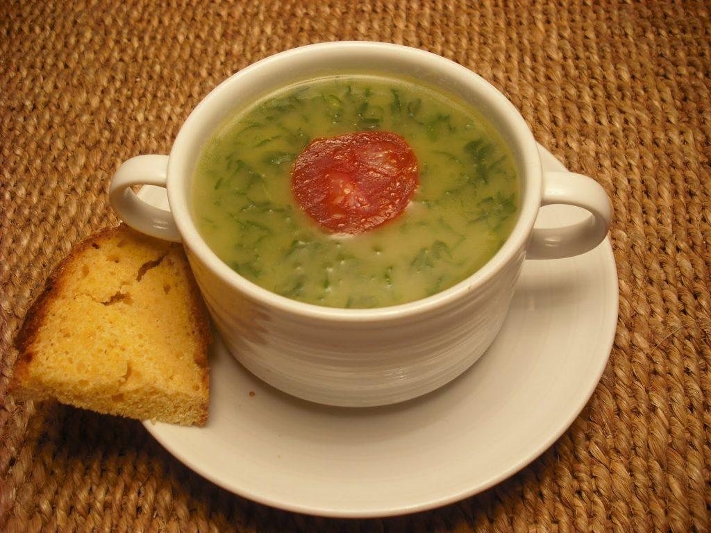 caldo verde soupe aux choux portugal