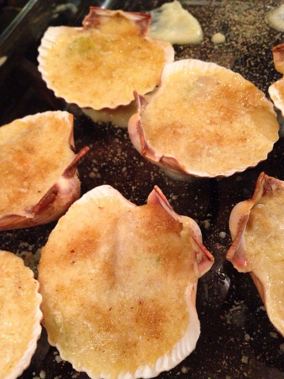 Coquilles Saint-Jacques a la Bretonne recette