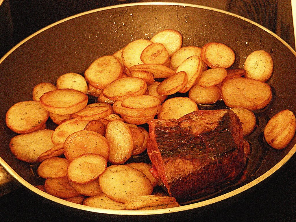 Magret de canard aux pommes de terre saut es marmite du - Appareil pour couper les pommes de terre en rondelles ...