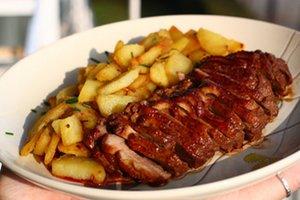 Magret de canard aux pommes de terre saut es marmite du monde - Cuisiner le magret de canard au four ...