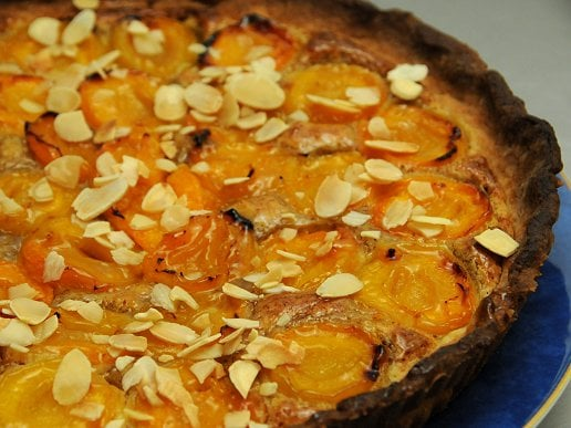 tarte aux abricots aux amandes marmite du monde. Black Bedroom Furniture Sets. Home Design Ideas
