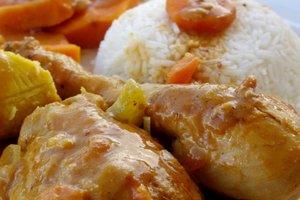 Mafé au poulet : un irrésistible goût épicé de cacahuète - Marmite