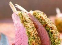 Carré d'agneau en croûte d'herbes recette facile