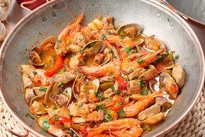 Cataplana de fruits de mer une richesse aromatique for Plat unique convivial
