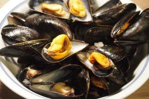 Moules marini res et frites de patate douce marmite du monde for Plat unique convivial