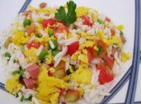 salade de riz aux tomates cerise