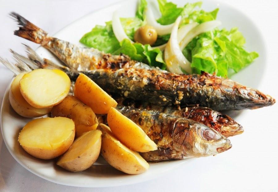 sardines grillées et pommes de terre nouvelles