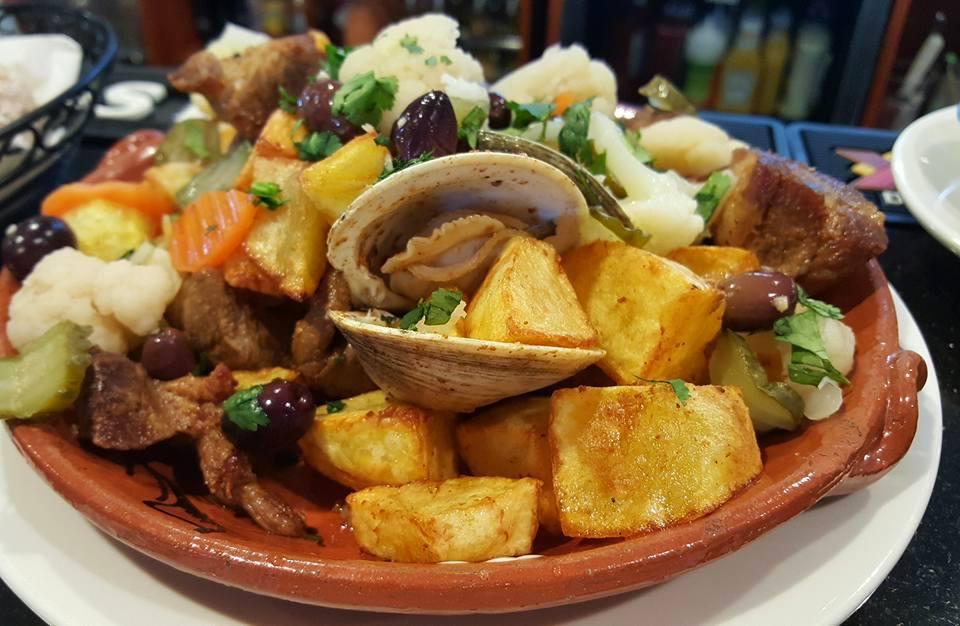 carne de porco alentejana viande et coques