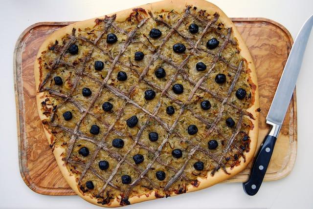 Pissaladiere nicoise la pizza francaise