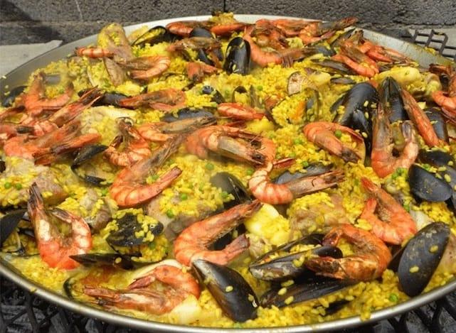 Paella aux fruits de mer espagnole