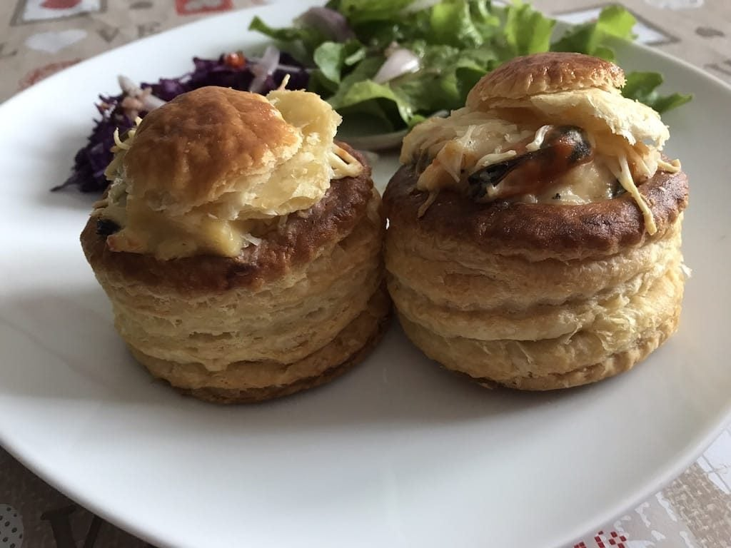 Vol au vent aux fruits de mer bouchees a la reine